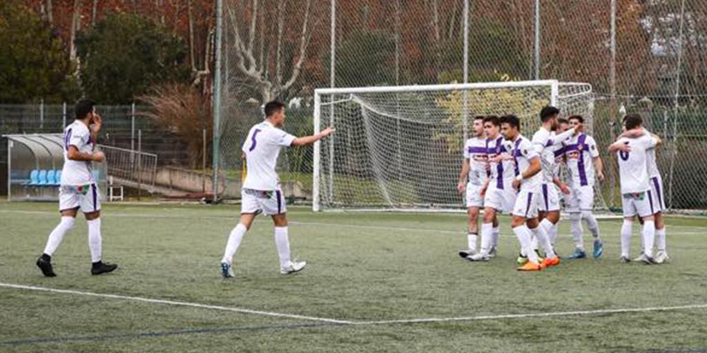 Jugadores del equipo peñarandina celebrando uno de los goles contra la Ponferradina B.