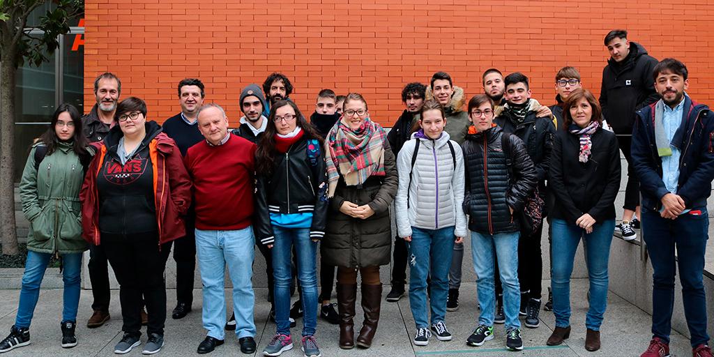 28 alumnos participan en el programa «Aula empresa».