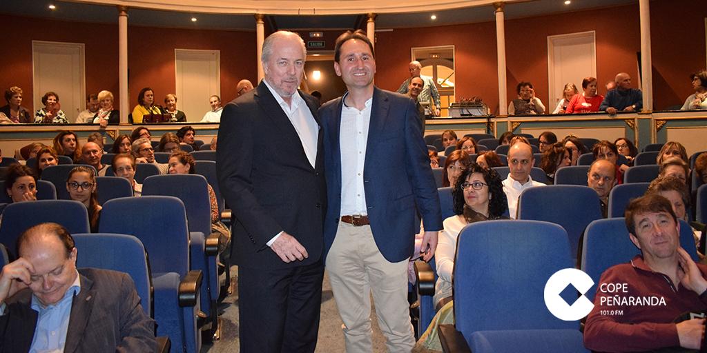 Richard Vaughan junto a Juan Carlos Martín antes de la conferencia en el Calderón.