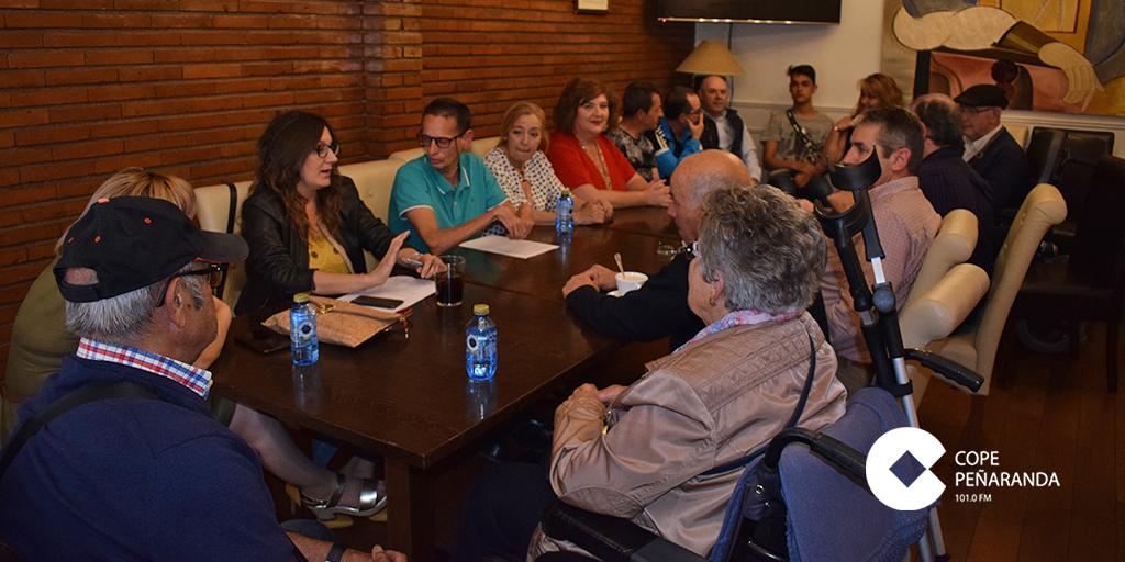 El Partido Popular convocó una reunión con personas discapacitadas.
