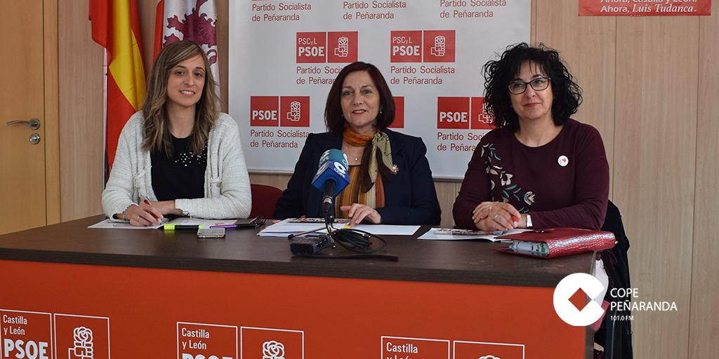 Fátima Manzano, Carmen Ávila y Araceli Rodríguez, durante la rueda de prensa.