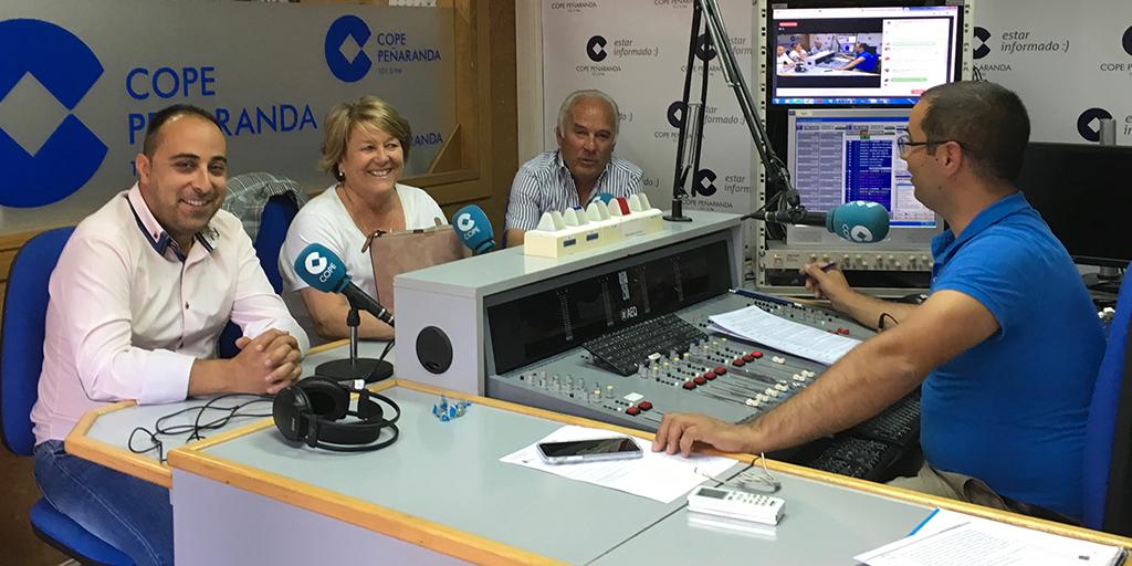 Raúl, Paqui y Marino en «La mesa de trabajo» de COPE.