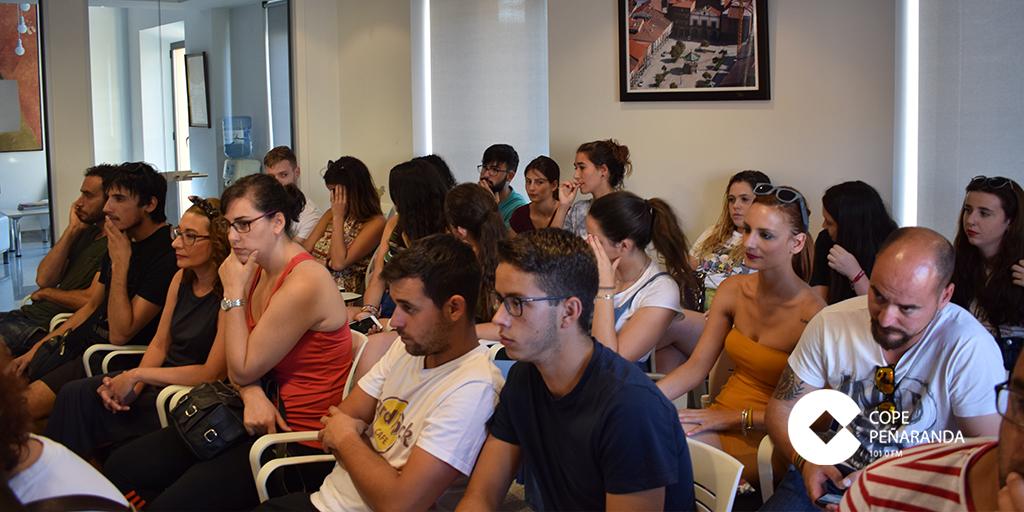 Una veintena de personas asistieron a la reunión de peñas y ciudadanos.