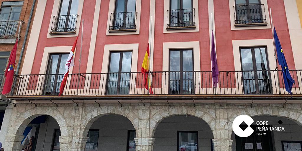 El Ayuntamiento se suma a la concentración de la FEMP en memoria de las víctimas del Covid