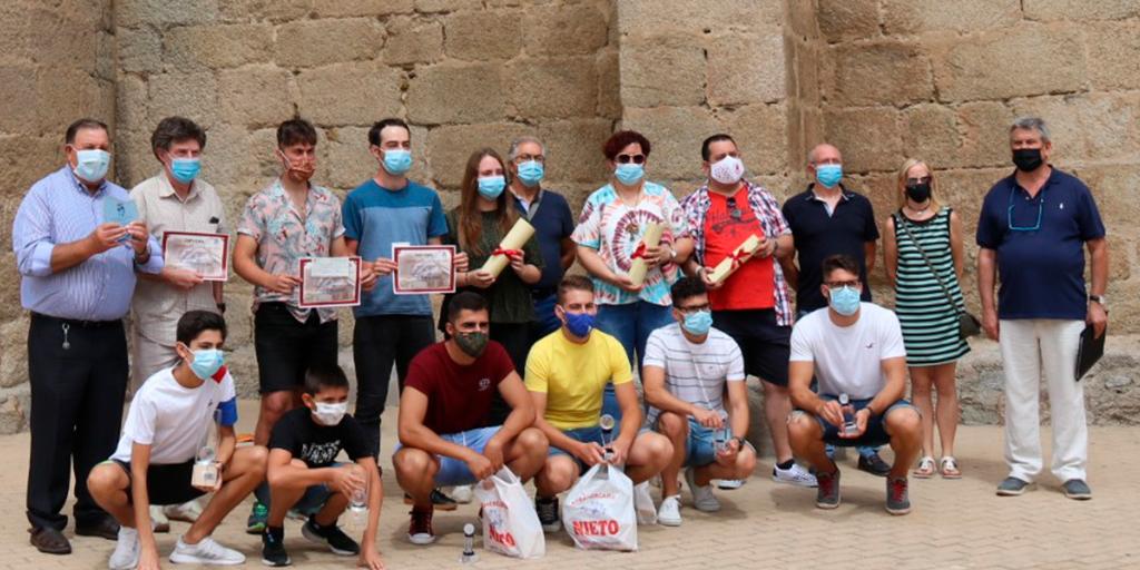 Macotera entrega los premios de los concursos culturales y competiciones deportivas