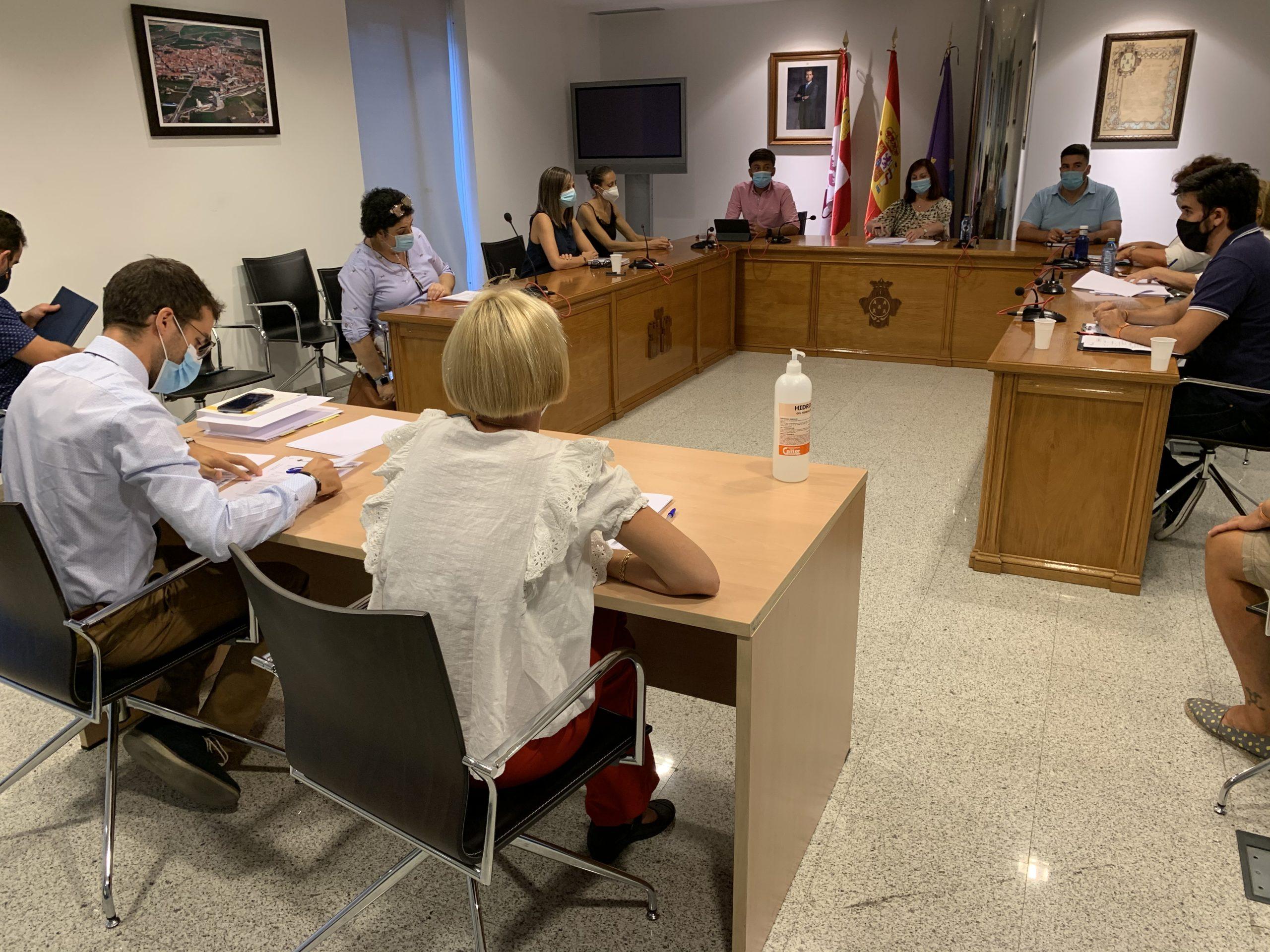 El Ayuntamiento buscará una solución tras la no autorización de la Junta para ayudar a las empresas