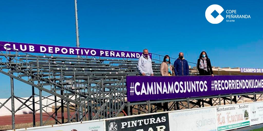 Unas nuevas gradas supletorias aumentan el aforo limitado del Luis García