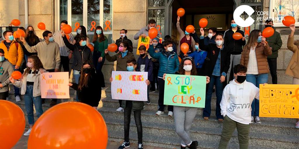 El Colegio La Encarnación se manifiesta contra la Ley Celaá