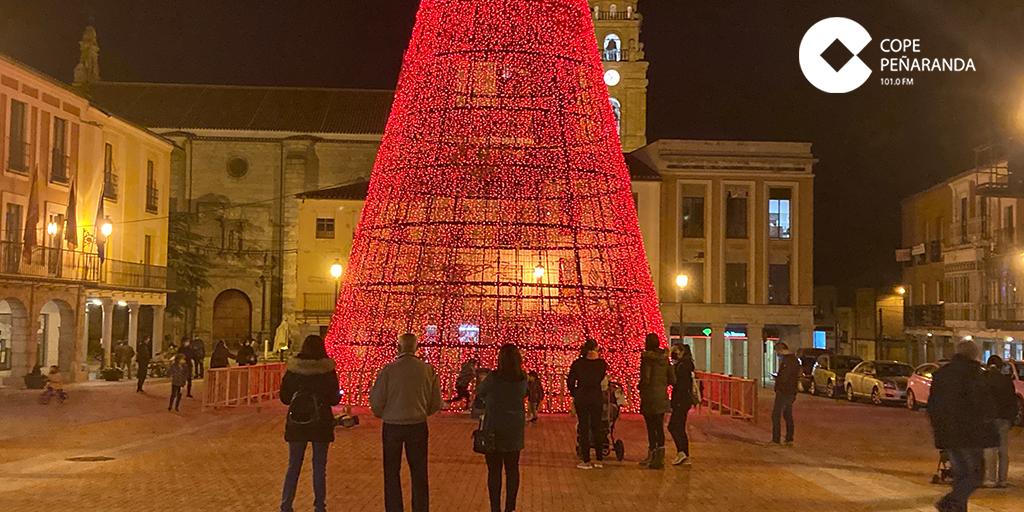 Peñaranda luce su decoración ornamental de Navidad