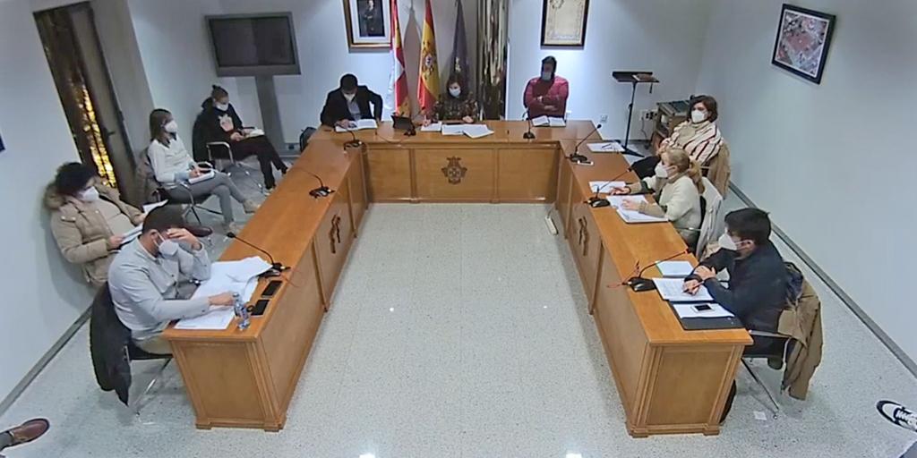 El Ayuntamiento baja un 10% el impuesto de circulación