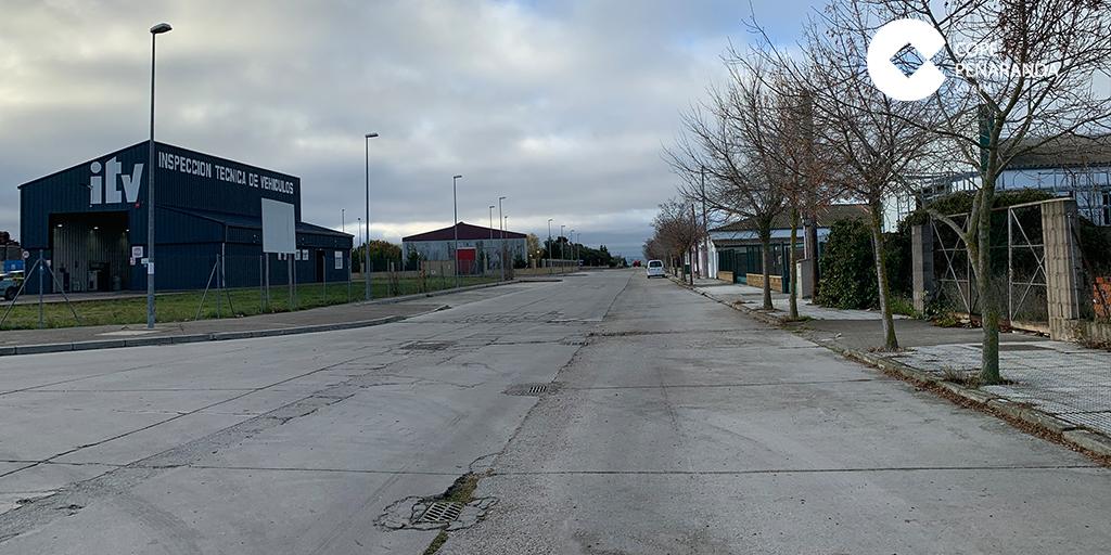 El Ayuntamiento prevé arreglar las zonas con peor pavimento del polígono industrial