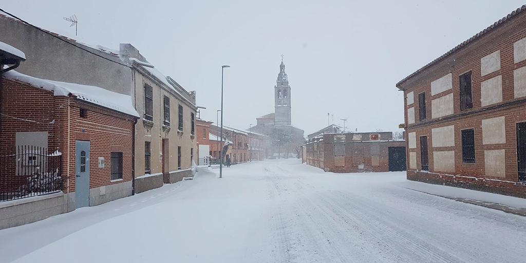 La nevada deja prácticamente incomunicada la comarca