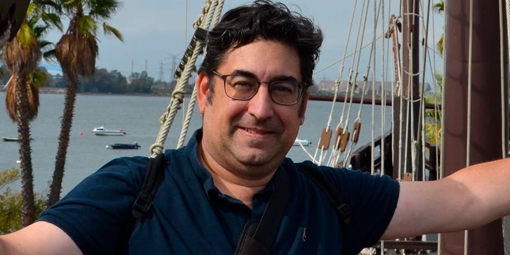 El valenciano Miguel Ángel Gascón gana el Premio nacional de poesía