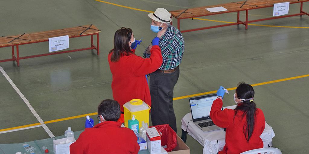 La vacunación se extiende este viernes en Peñaranda a los nacidos entre 1942 y 1944