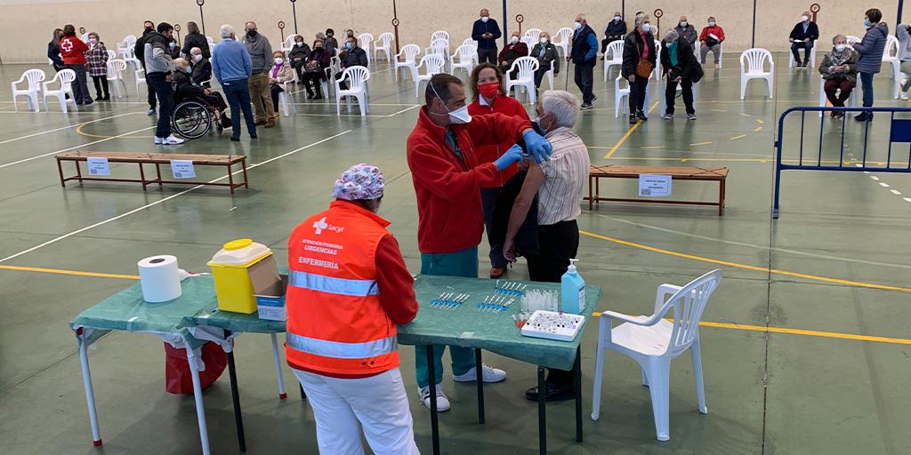 Continua el proceso de vacunación, a la espera de que lleguen otras 900 dosis