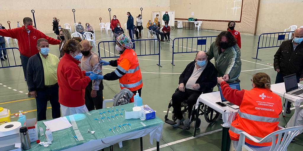 Este jueves se vacunarán 900 mayores de entre 60 y 65 años