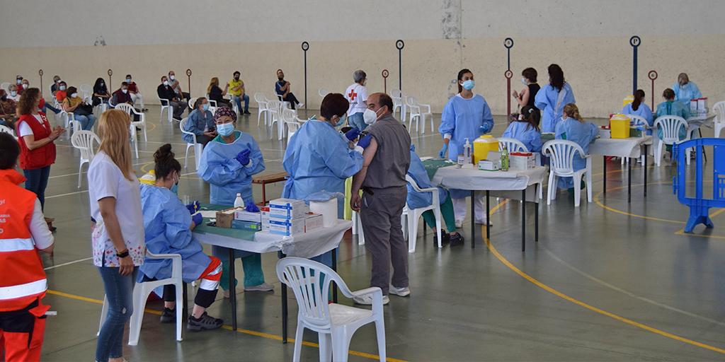 700 personas de entre 53 y 55 años se vacunan con Janssen