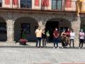 El Ayuntamiento se concentra en solidaridad con las niñas de Canarias
