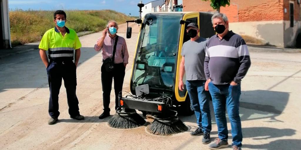 El Ayuntamiento de Macotera compra una barredora