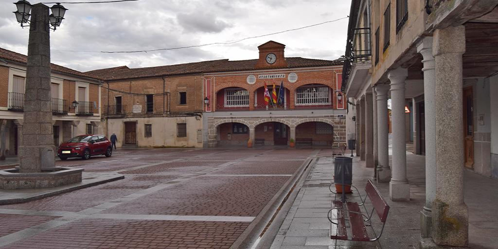 El Consistorio santiagués renueva la numeración del callejero