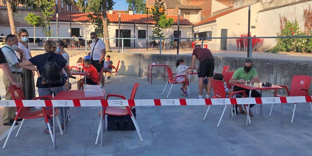 Una decena de niños participaron en las jornadas de ajedrez