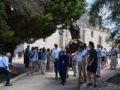 Los vecinos de Santiago honraron a su patrón con misa y procesión