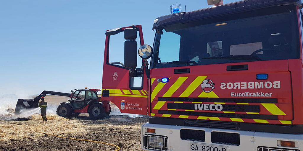 Los bomberos sofocan un incendio en Bóveda