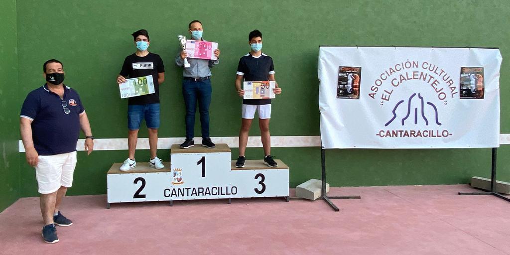 Ganadores del IV Torneo de ajedrez en Cantaracillo