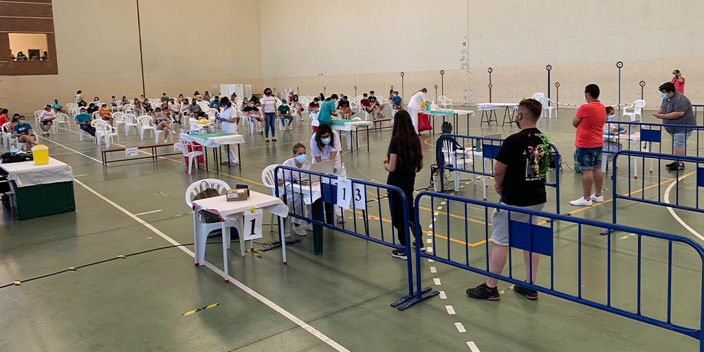 800 jóvenes de la comarca recibieron la primera dosis de la vacuna contra la Covid-19