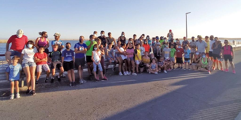 80 personas participan el la ruta ciclista hasta el Azud