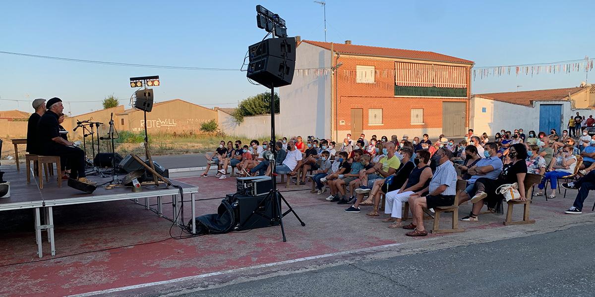 Actuación de Mayalde en El Campo de Peñaranda