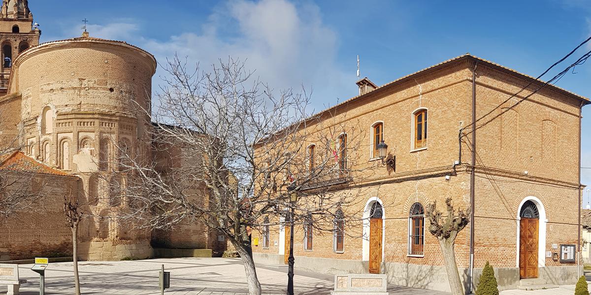 Fachada del Ayuntamiento de Rágama